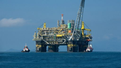 Maintenance: a competitiveness factor for oil platforms
