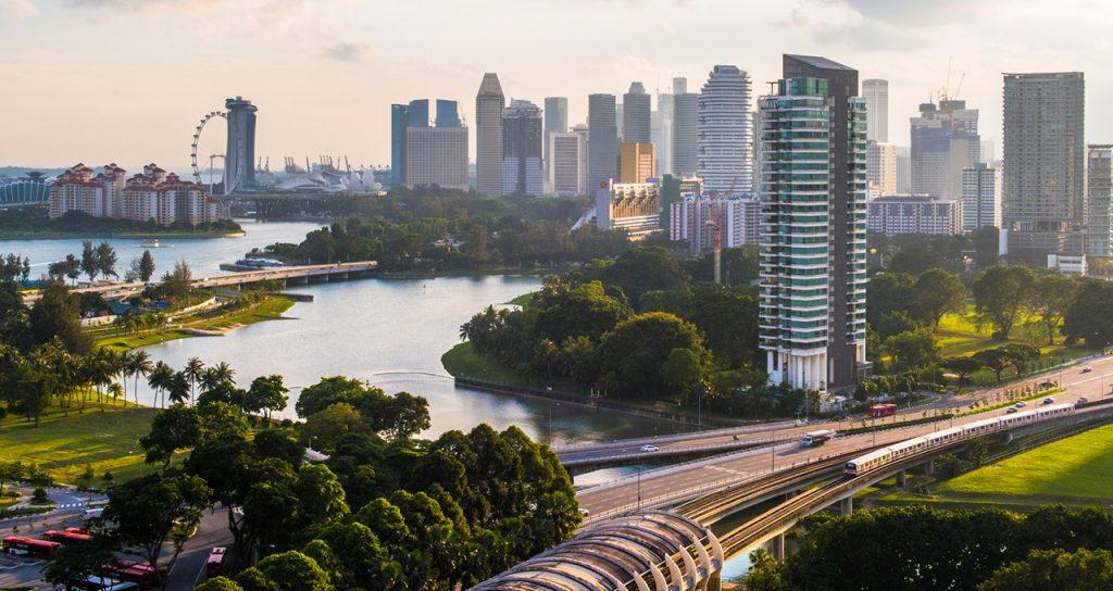 Singapore promotes public transport over cars