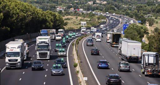 """Sonderfahrstreifen für Fahrgemeinschaften und """"saubere"""" Fahrzeuge"""